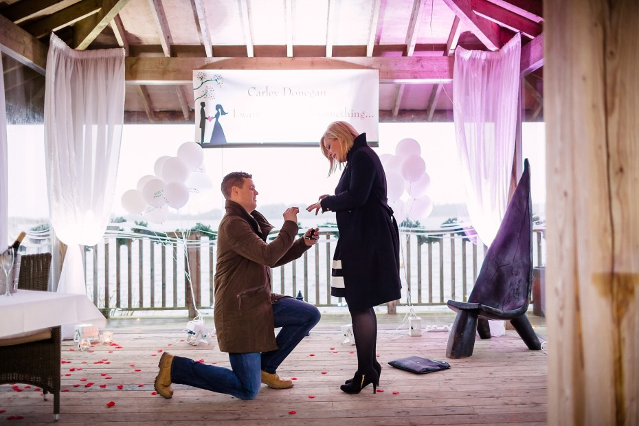 Proposal_Surprise_at_Wineport_lodge-0006
